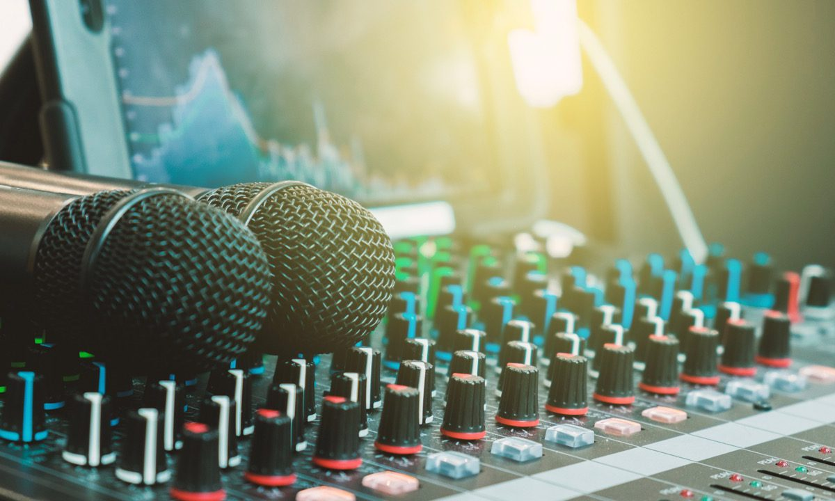 Enhance a Live Performance – Choose the Right Sound Engineer