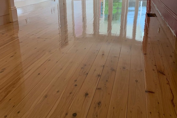 How To Find The Right Professionals For Floor Sanding? 5 Attributes To Checkout For