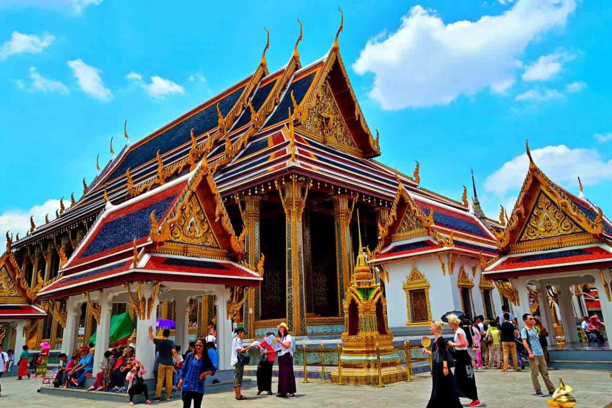 Explore 10 Of The Most Amazing Temples In Thailand