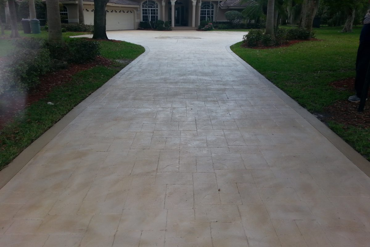 How to Select the Right Driveway Paint for Your Home?