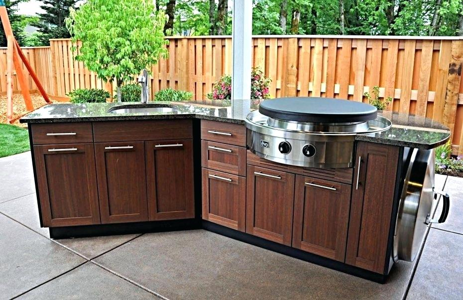 How Can You Make An Outdoor Kitchen Look Amazing?