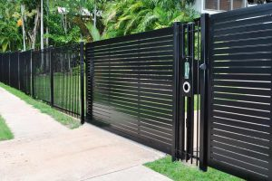 Reasons to Hire professional Fencing Contractors