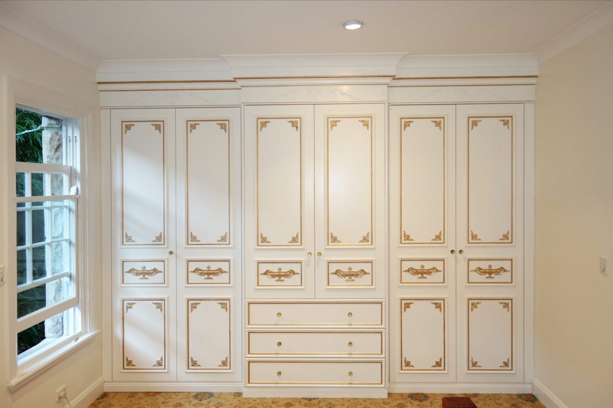 How To Installed Countless Built Walk-in Custom Made Wardrobes Across Sydney