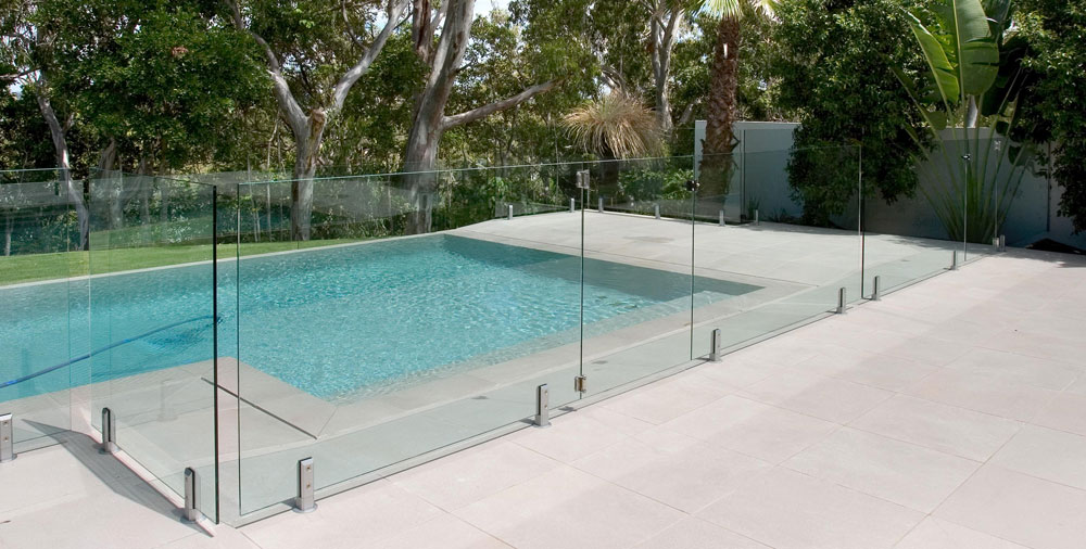 Frameless Glass Pool Fencing 101: Know Your Options!