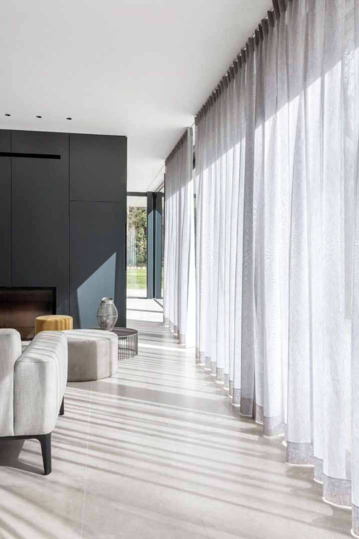 Various Benefits Of Using Curtains