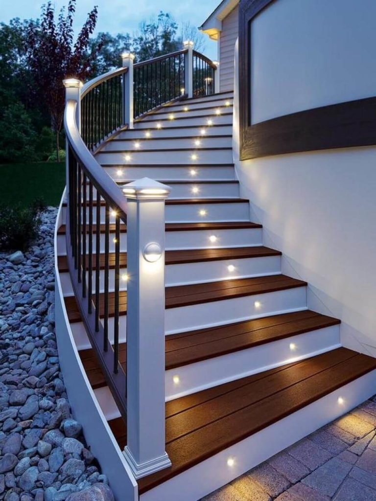 Tips To Find The Right Contractor For Staircase Remodel