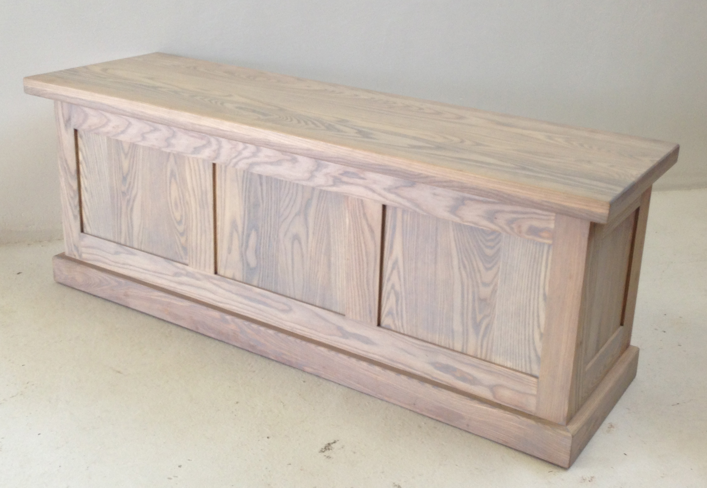 What Are The Benefits Of Choosing A Timber Blanket Box?