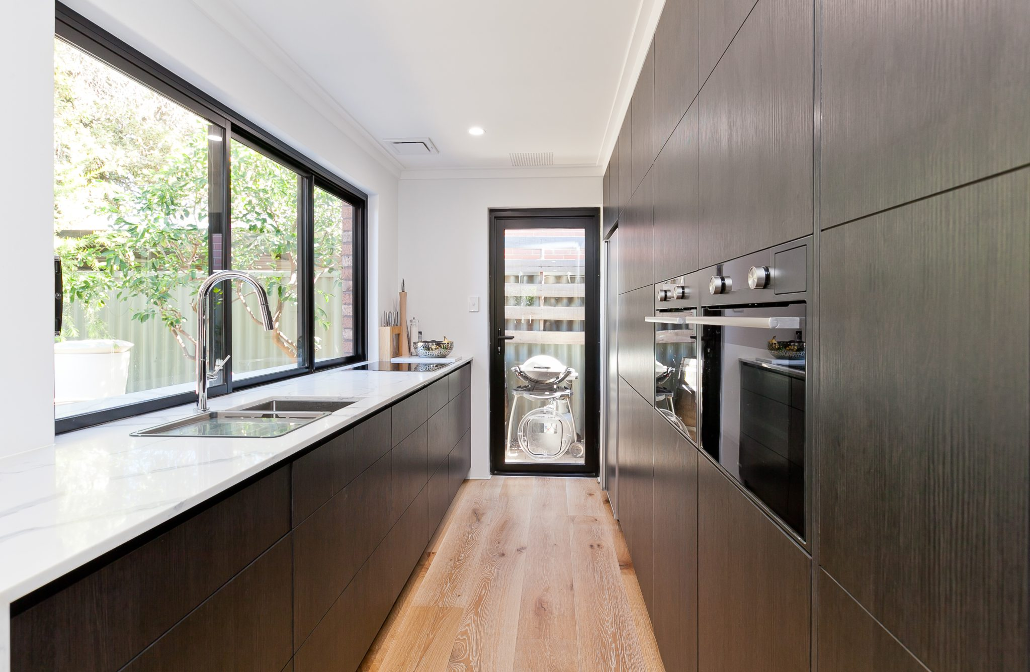 Why Experts Of Kitchen Remodelling Mosman Recommend Custom Cabinets to their Clients