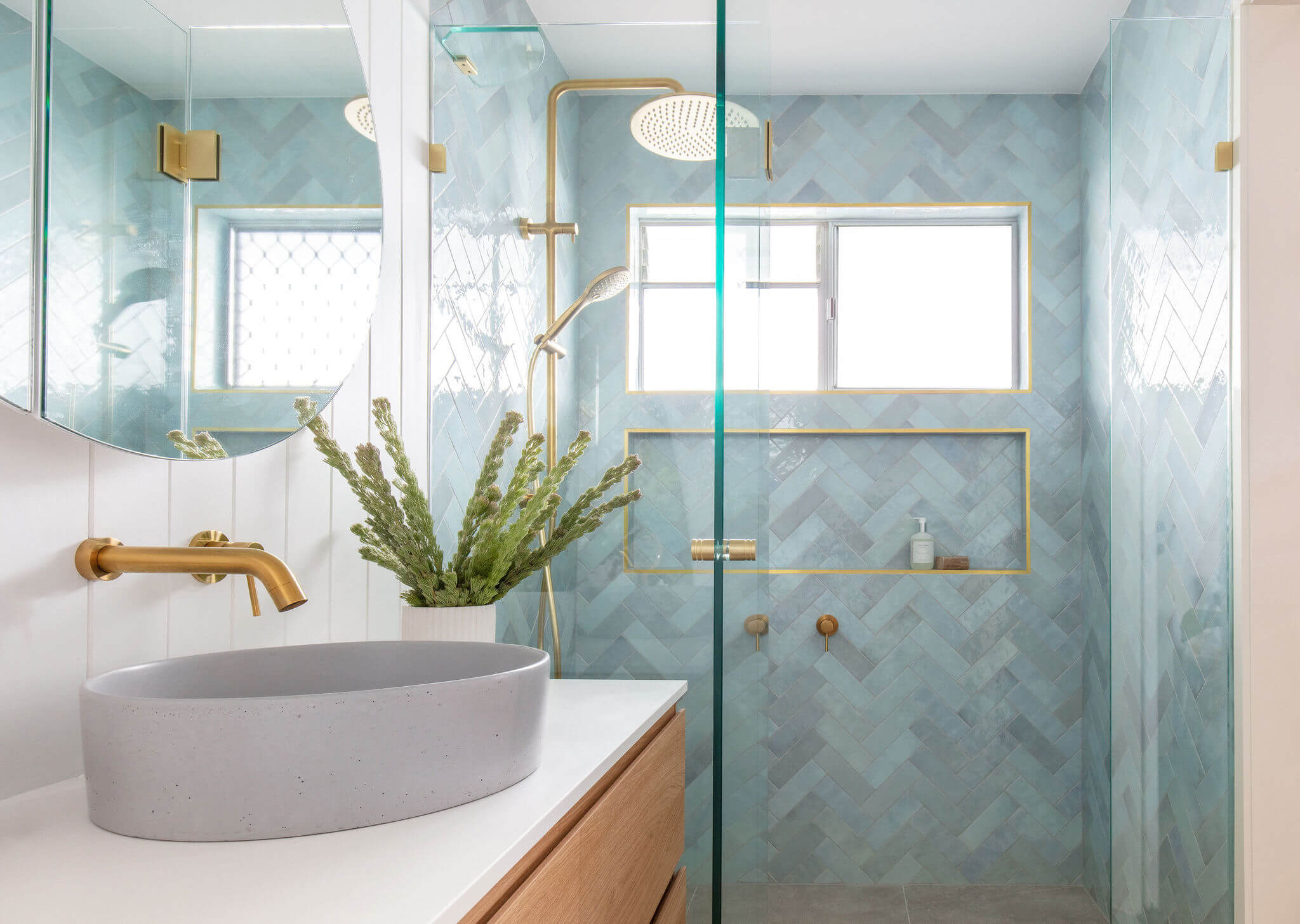 4 Tips To Locate The Right Contractor For Bathroom Renovations