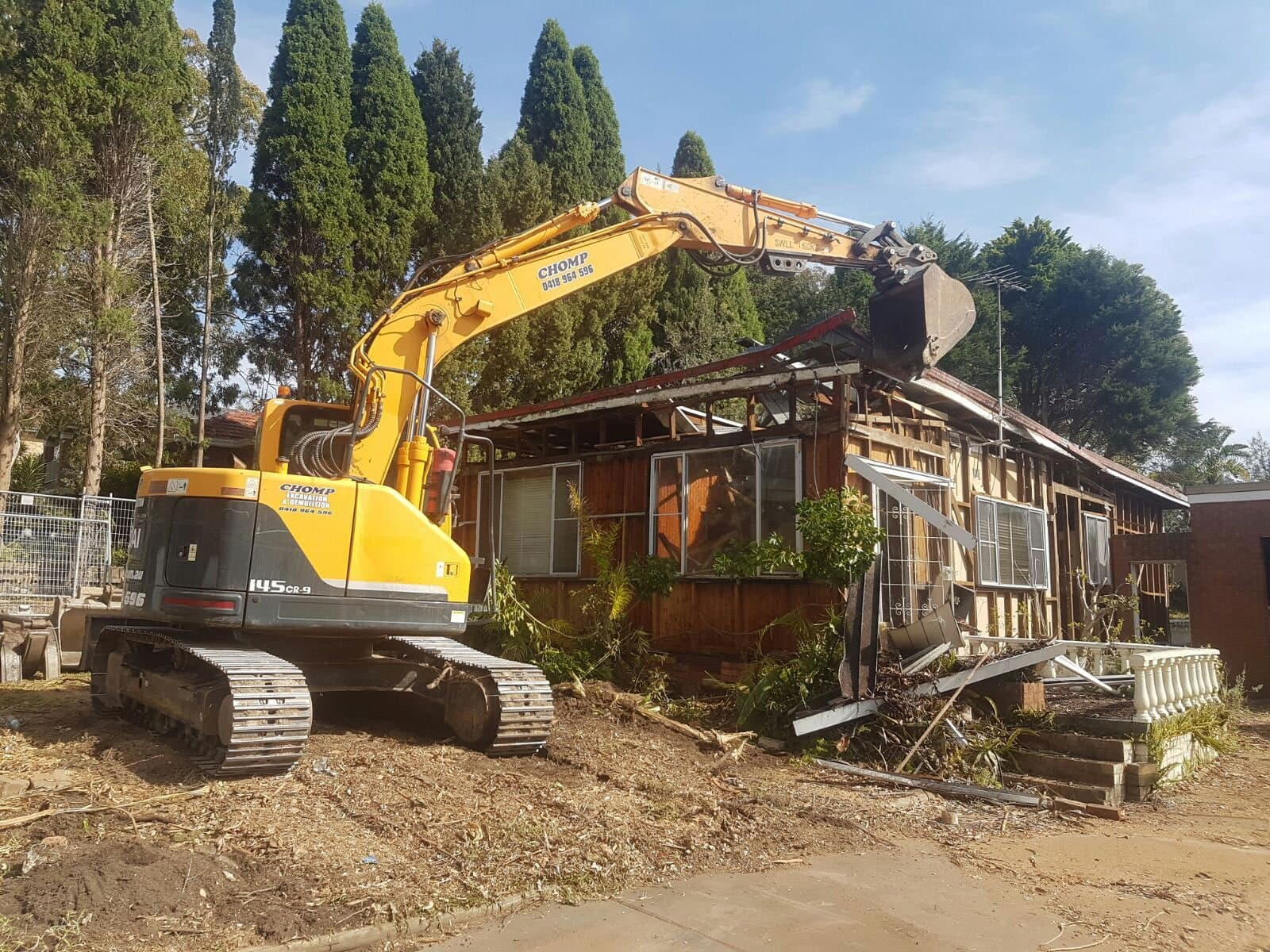 Carrying Out House Demolition In The Safest Way Possible
