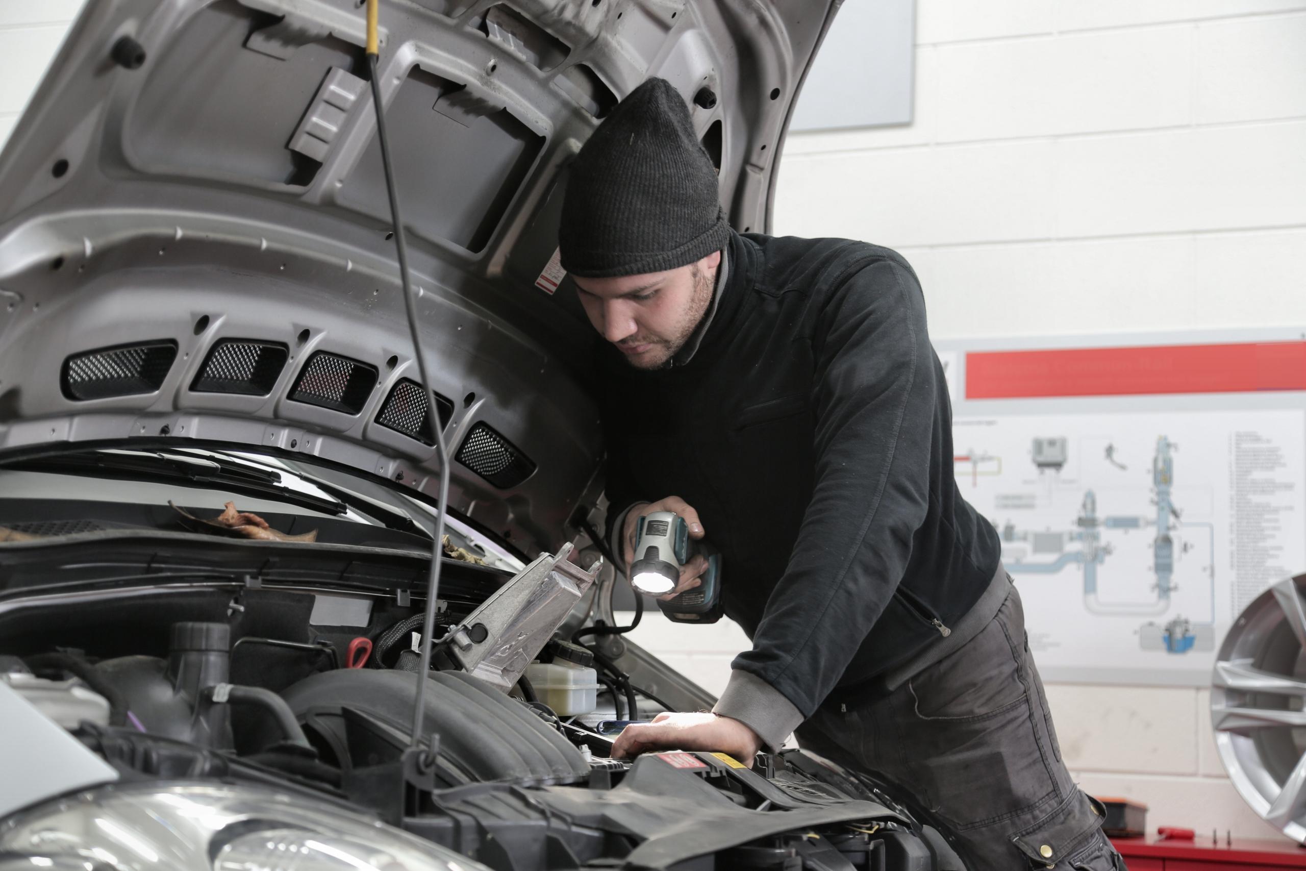 The Importance Of Choosing Independent Audi Mechanics