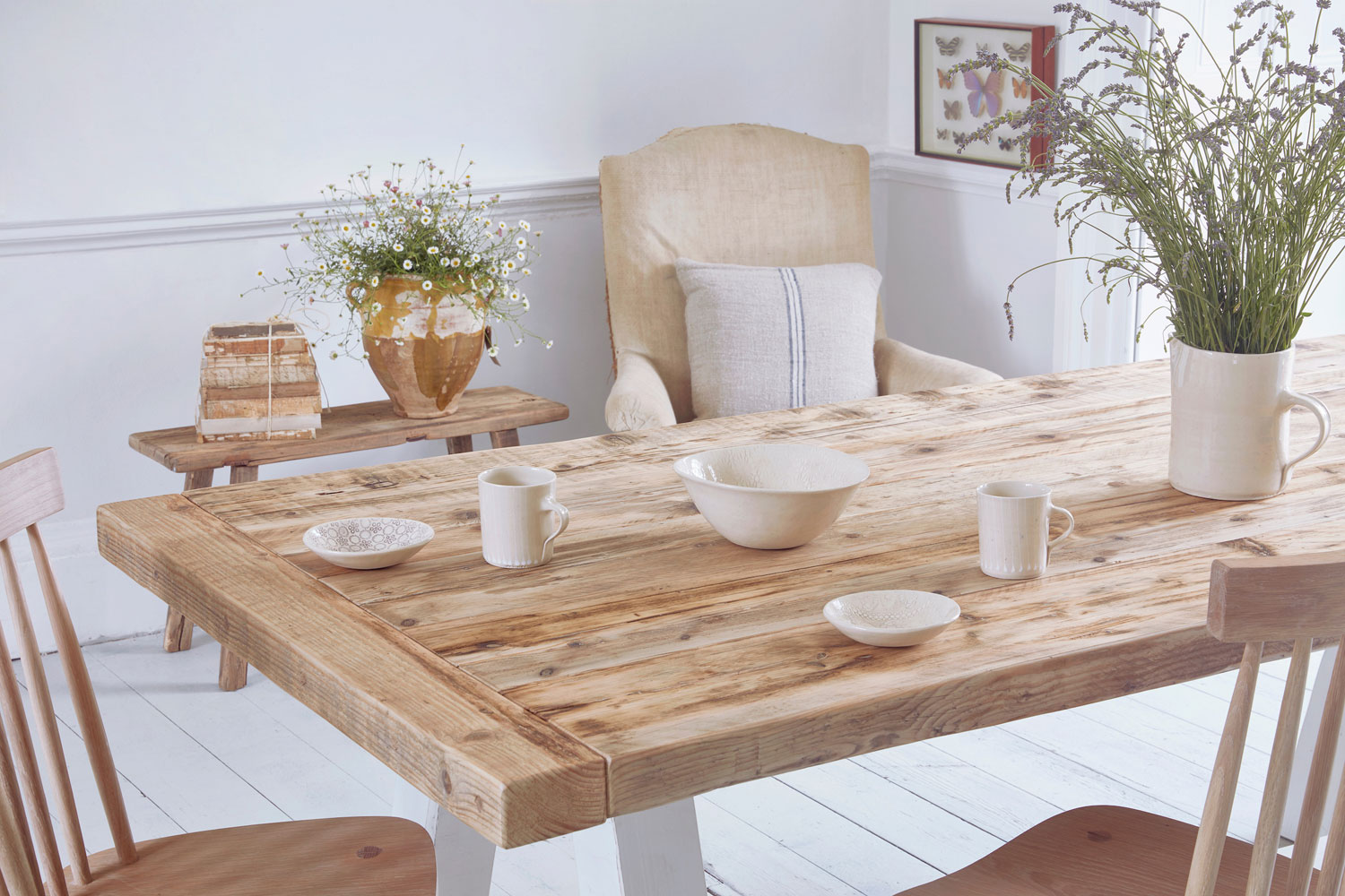 Time To Impress Your People With Stunning Rustic Dining Tables